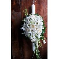 Lumanare botez din trandafiri orhidee si lisianthus