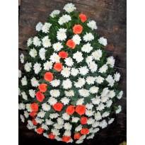 Coroana funerara din crizanteme si  trandafiri