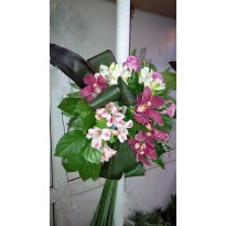Lumanari nunta trandafiri  orhidee alstroemeria si plante