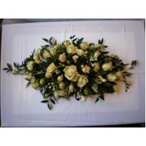 Aranjament mix frezii trandafiri minirosa si gypsophila