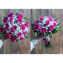 Buchet mireasa 15 trandafiri  si gypsophila