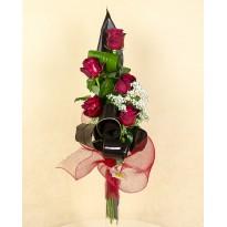 Buchet 5 trandafiri cu plante