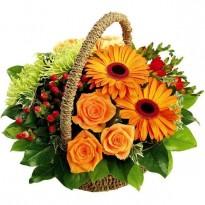 Cos cu mix de flori