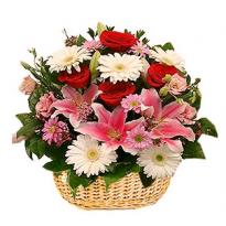 Cos cu trandafiri crini minirosa gerbera si crizanteme