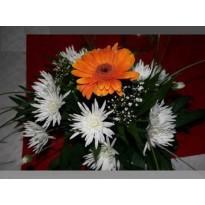 Aranjament masa crizanteme cu gerbera