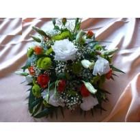 Aranjament de masa din trandafiri  santini minirosa si lisianthus